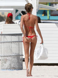http://img237.imagevenue.com/loc116/th_260065122_lauren_stoner_bikini_topless_march19_2012_3_123_116lo.jpg