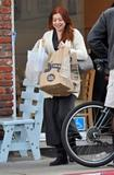 Элисон Хэнигэн, фото 1288. Alyson Hannigan goes grocery shopping in LA, january 14, foto 1288