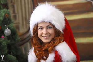 http://img237.imagevenue.com/loc338/th_531572246_silver_angels_Sandrinya_I_Christmas_1_093_123_338lo.jpg