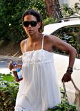 th_96827_Halle_Berry_out_and_about_in_LA_34_122_374lo.jpg