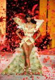th_13473_Victoria_Secret_Celebrity_City_2008_FS_4445_123_375lo.jpg