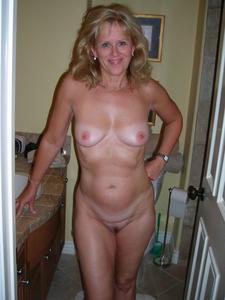Mujeres maduras posando desnudas