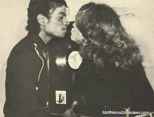 1983 Thriller Certified Platinum Th_948081128_med_gallery_1743_119_10934_122_415lo
