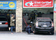 http://img237.imagevenue.com/loc446/th_926768747_Mandy_Moore_Stops_at_a_gas_station2_122_446lo.jpg