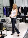 th_72691_78257-blake-lively-candid-chanel-boutique-nyc-09-0_122_454lo.jpg
