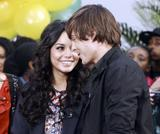 th 31342 Celebutopia Vanessa Hudgens8 Ashley Tisdale and Zac Efron in New York City 02 122 56lo Vanessa Hudgens et Zac Efron (photos)