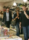recapitulation with News & Pix since VB moved to L.A - Page 2 Th_80609_celeb-city.org_Victoria_Beckham_shopping_kitson_260_122_590lo